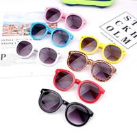 ingrosso i bambini adattano a occhiali da sole-Fashion Kids Full Frame Occhiali da sole Candy Colors Frame Bambini Occhiali Outdoor Girl Eyewear Viaggi Tende da sole TTA1026