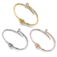 b8a3852f884c Cristal austriaco brazaletes de puño Platino-plateado de alta calidad del  brazalete de joyería de la boda las mujeres la manera del envío libre al  por mayor ...