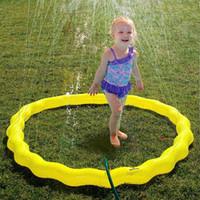 ingrosso tappetini da gioco per bambini esterni-100/150/170 centimetri Sprinkler Water Mat Beach Play Pad per bambini Baby Outdoor Prato Sand Kids Toys Summer Backyard Pool Game