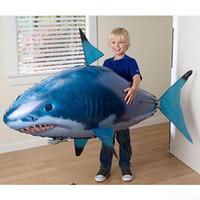ingrosso vola per la pesca-24 pz / lotto IR RC Nuotatore di squalo Pesce pagliaccio Pesce volante Assemblaggio Pesce pagliaccio Telecomando Palloncino Gonfiabile Giocattoli divertenti per bambini