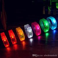 cuerda de bola intermitente al por mayor-3 Modelo Control de sonido activado por música Control de vibración Pulsera parpadeante con luz Pulsera con brazalete Anillo de mano Brillo en el palo oscuro