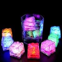 su flaş otomatik olarak toptan satış-Flaş Ice Cube Su Actived Flaş Led Işıklı Otomatik Parti Düğün için içine su Flaş İçki koyun Noel Dekorasyon ZZA1586 Barlar