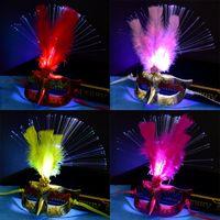 zubehör für federkleid großhandel-Luminous Feather Masquerade Masks Männer Frauen Halloween Party Half Face Masks Kostüm Zubehör