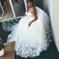 Wholesale butterfly bride dresses online - Elegant Sweetheart Lace Wedding Dresses Country Butterfly Applique Tulle Arabic Vestido de novia Bride Dress Cheap Bridal Ball Gowns