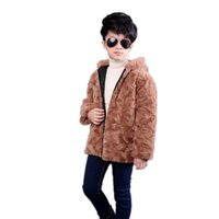 ingrosso giacche di pelliccia del neonato-Furry 2018 Inverno Ragazzi Faux Fur Coat Jacket adolescente calda tuta della tuta sportiva del bambino scherza i vestiti con cappuccio pelliccia falsa Cappotti F203