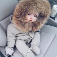 с капюшоном зимние мальчики шерсть оптовых-Младенец Детские комбинезоны Зимняя одежда Новорожденный Мальчик Девочка Трикотажный свитер Комбинезон енота Мех с капюшоном Малыш Малыш Верхняя одежда MX190801