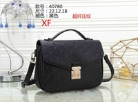 Wholesale mail beads for sale - Group buy free mailing Brand hot sale Messenger bag black leather Messenger bags ladies retro handbag bag silver chain ladies shoulder bag B0014