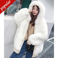 beyaz sahte kürk ceket toptan satış-Iki Yan Giyen 2019 Kış Kadın Kabarık Tüylü Faux Fox Kürk ceketler Kapşonlu Fermuar Kalın Sıcak Kısa Sahte Kürk Siyah Beyaz W1694