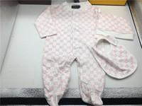 ropa de niños envío gratis al por mayor-Marca de moda Baby Boys Girl Mamelucos Jumpsuit Algodón Tops + Hat + Bib 3 piezas Conjunto de ropa Conjunto Newborn Toddler 0-24M Ropa para niños Envío gratis