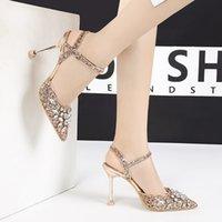 salto alto de ouro preto venda por atacado-Mulheres sapatos de cristal fivela bombas moda glitter bling dedo apontado desliza sandálias de salto alto ouro prata preto sapatos de casamento