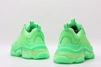 eski moda yeni ayakkabı toptan satış-2019 Çok Lüks Üçlü S Tasarımcı Düşük Eski Baba Kombinasyonu Tabanı Yeni renk Mens Womens Moda Rahat Ayakkabılar Yüksek En Kaliteli Boyutu 36-45