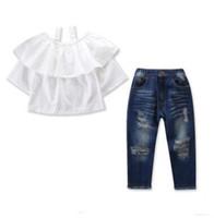 kazık atmak toptan satış-Çocuklar giysi tasarımcısı kızlar 2 adet giyim kıyafetler setleri 2019 yaz moda bebek kız fırfır kapalı omuz bluz tops + ripped kot pantolon set