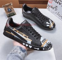 goldfarben großhandel-Neue Männer Designer Schuhe Weiß Leinwand Graffiti Gedruckt Flache Sneaker Männer Gemalt Leder Schwanz Weiche Gummisohle Schuhe Turnschuhe