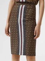 kalem etek çizgileri toptan satış-Kadın Moda Lüks Tasarımcı Monogram Şerit Baskı Streç Jersey Kalem Etek High End Özel Abiye Yüksek Bel Midi Etek Elbise