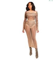 kim kardashian stil kleider großhandel-Geheimnisvolles Kim Kardashian gewundenes Streifendruck-reizvolles Kleid-bloßes Ineinander greifen-langes Hülsen-rückseitiges Schlitz-Maxi bodycon Kleid für Frauen Vestidos Y19051102