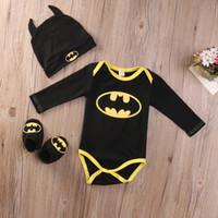 ingrosso bambino di batman-Moda Batman Baby Boys Pagliaccetti Tuta Tops in cotone + Scarpe + Cappello 3 pezzi Vestiti vestiti Set neonato Toddler 0-24 M Abbigliamento per bambini