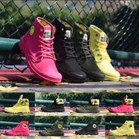 botas brillantes al por mayor-Paladio Diseñador de lujo Cara sonriente Citron brillante Verde militar Negro Rojo Botines Martin Botas Hombre Mujer Moda Deportes al aire libre Zapatos de senderismo