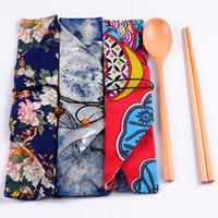 ingrosso set da cucina cinese-3pcs / set Set di stoviglie in legno Set di posate per bacchette cinesi portatili con borsa in stoffa vintage floreale in stile giapponese per viaggi all'aperto