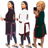 derin v hırka toptan satış-Kadınlar Tasarımcı Uzun Ceket Çizgili Güz Ceket Kış Giyim Sashes Kaplan Kafası Pelerin Pelerin Derin V Yaka Hırka Bayan Gündelik Giyim 965