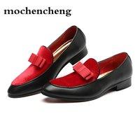 vestido de novia rojo masculino al por mayor-Zapatos formales para hombre Vestido de novia de bowknot Pisos masculinos Caballeros Casual Resbalón en los zapatos Mocasines de cuero negro de charol rojo
