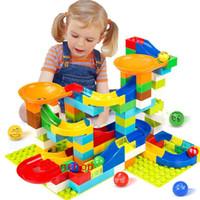 blocos de construção de mármore venda por atacado-104-208 pcs corrida de mármore corrida labirinto bola pista blocos de construção de plástico funil de slides tamanho grande tijolos compatível legoeingly bloco