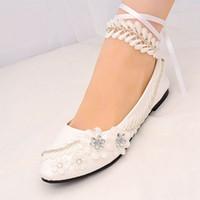 beyaz kedi yavrusu düğün ayakkabıları topuklar toptan satış-Beyaz Dantel Up Düğün Ayakkabı Boncuklu Bayanlar Parti Ayakkabı Gelinlik Ayakkabı Womens Pompa Büyük Boyutları 8 Cm / 4.5 Cm Yavru Topuklu 2019