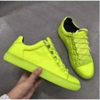 zapatos de cuero de los hombres de marca al por mayor-Nuevo diseñador Nombre Marca Hombre Zapatos casuales Kanye West Fashion Zapatillas de corte bajo con cordones de cuero arrugado Runaway Arena Zapatos