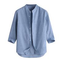 gevşek keten toptan satış-Yaz erkek Rahat Çizgili Standı Yaka Üç Çeyrek Kol Düğmesi Pamuk Keten Gömlek Erkek Sıcak Satış Gevşek Üst 2019 Için moda