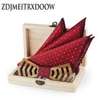ingrosso zebra bowtie-Personalità scava fuori Zebra legno Papillon Hanky Set per uomo Abiti da sposa Business in legno Bowtie Hadkerchief