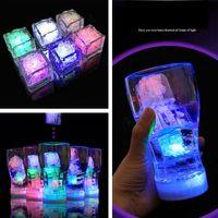 kristal romantik led toptan satış-LED Buz Küpleri Bar Hızlı Yavaş Flaş Otomatik Değişen Kristal Küp Su Aktive Işık-up Romantik Düğün Hediyesi Için 7 Renk Parti Dekorasyon 4841
