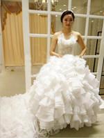 train de balle de mariage en mariage coréen achat en gros de-Coréenne De Luxe Bretelles Blanc Robe De Bal Long Train Robe De Mariage Princesse Dentelle Appliques Robes De Mariée De Mariage Robes De Mariée