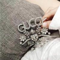 broche del collar de las mujeres al por mayor-Collar de las mujeres Rhinestone Carta Flor Marca Diseñador Colgante Broche Diseñador Joyería de calidad superior