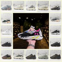 ingrosso allenatore scarpe-Runner Boost 700 V2 Sneakers 3M Mens abbigliamento di grandi firme del cioccolato comune Shiny Black Basf allenatore sportivo formazione scarpe dimensioni 36-47
