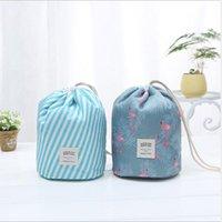 bolsa coreana al por mayor-Coreano elegante de gran capacidad en forma de barril Nylon Wash Organizador de viaje de viaje bolsa de maquillaje cosmético bolsa de almacenamiento para las mujeres