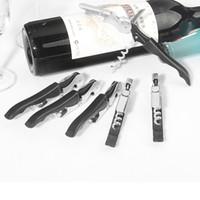 couteaux de chevaux achat en gros de-Gros outil de vin noir ouvre bouteille ouvre-porte cheval de mer tire-bouchon couteau ménage tire-bouchon à charnière livraison gratuite