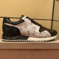 novas sapatilhas populares venda por atacado-Correr Para Fora Da Sapatilha Nova Chegada Popular Mens Atlético de Luxo Sapatos De Grife de Moda Casual Pinted Verdadeiro Lether De Borracha Lace Up Sneakers com caixa