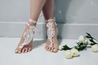 sandalia descalza de encaje al por mayor-La boda del cordón de playa sandalias descalzas de la boda Zapatos Accesorios Prom dama de honor de novia regalo con cierre de tiras baratos en la acción envío rápido