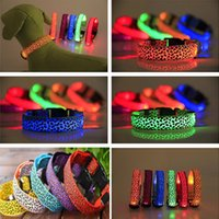 ingrosso collare di cane di grandi dimensioni leopardo-Led Glowing Dog Collars Necklace Leopard Flashing Spotted Dot Lines Pet Cat Collar Fluorescence Trends Pet supplies Christmas Gift HH7-1941