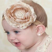 bebek kızları lüks saç aksesuarları toptan satış-Güzel erkek bebekleri kız şeker renk çok katmanlı el yapımı bez çiçek lüks elmas taklidi çocuk saç bandı moda saç aksesuarları