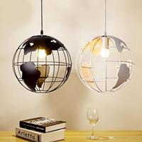 weißer globus anhänger großhandel-Hot auf lager Moderne kronleuchter Globus Pendelleuchten Schwarz / Weiß Farbe Pendelleuchten für Bar / Restaurant Hohlkugel Deckenleuchten