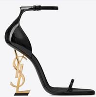 tacones sexy vestido negro al por mayor-2019 Diseñador Tacones altos Verano Zapatos de mujer Punta puntiaguda Boda Noche Vestidos de fiesta Zapato Mujeres Mujeres atractivas Modas Zapatos de bombas negros