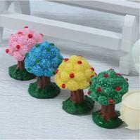 ingrosso mini figurine-Mini Mela Resina Cabochon Artigianato in resina Miniature Micro Paesaggio Terrario Figurine Forniture 4 Colori Decor da giardino 1pz