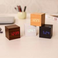 led holz digital wecker großhandel-LED-Schreibtisch-Wecker aus Holz Holz-Digital-Thermometer-Timer-Kalender-roter LED Digital Alarm Kreatives Hauptdekor Geschenk EEA634