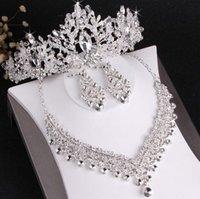 brincos de cristal para noivas venda por atacado-O best-seller high-end noiva coroa de casamento brincos colar conjunto de três peças designer de cristal branco artesanal artesanato fino frete grátis