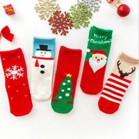 calcetines de navidad para niñas al por mayor-calcetines suaves del muchacho de la muchacha del árbol de navidad del calcetín del algodón del bebé de los niños de Santa Claus ciervos Socking niños Rojo Medio Christmasn bebé