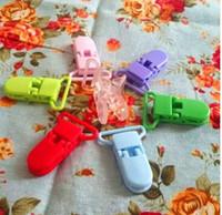 chupeta de suspensão de plástico venda por atacado-Suportes de chupeta de bebê D Forma Clipe de alimentação de plástico 2.5 CM Clipes de bebê Suspender Chupeta de chupeta Manequim