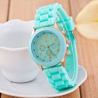 relógios de silicone branco venda por atacado-New fashion genebra relógios casuais senhoras branco silicone genebra sombra relógio de quartzo das senhoras do esporte relógio de borracha digital presente de feriado