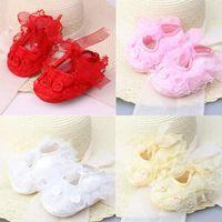 zapatos de bebé de ganchillo al por mayor-Nuevos Bebés Recién Nacidos Satén Bautizo Encaje Floral Crochet Suela Suave Zapatos Princesa Niños Infantil Algodón Zapatos de Cuna Prewalker