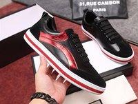 ingrosso striscia di pizzo rosso-Scarpe casual da uomo Fashion Designer Sneakers Scarpe piatte stringate Green Red Stripe in pelle nera Bee ricamato