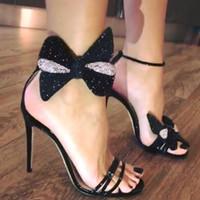 bacaklar yüksek topuklu yay toptan satış-Yaz Kadın Sandalet Yüksek Topuklu Lüks Kristal Yay Burnu açık Parti Ayakkabı Bayanlar Seksi Stiletto Ayak Bileği Kayışı Siyah Sandalet Pompalar